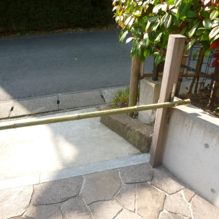 カーゲートも竹にて和の雰囲気にてシンプルに